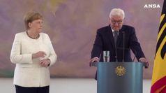 Merkel rassicura tutti 'sto bene, avanti fino al 2021'