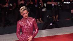 Kristen Stewart versione rock a Venezia