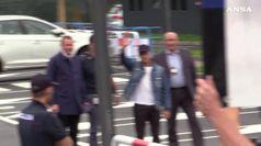 Inter, Alexis Sanchez atterra a Malpensa. Tifosi in delirio