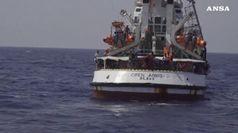 La Open Arms e' giunta davanti a Lampedusa