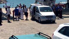 Turista francese morto: giunta salma nel porto di Policastro