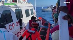 Migranti, altri 9 sbarcati da Open Arms per motivi di salute