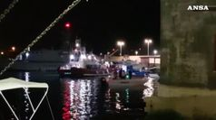 Pm sequestra Open Arms, tutti sbarcati a Lampedusa
