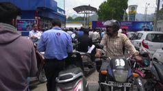 Allerta terrorismo in Kashmir, evacuati 20 mila turisti