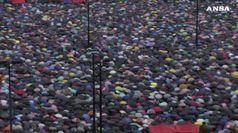 Marea di ombrelli a Hong Kong, ancora in migliaia in piazza