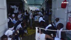 Migranti, emergenza cibo sulla nave Ocean Viking