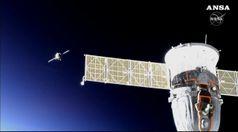 Stazione spaziale, la Soyuz riesce ad attraccare