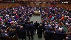 Elezioni rinviate in Gb, Johnson e Brexit imbottigliati