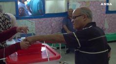 Tunisia, crolla l'affluenza alle presidenziali