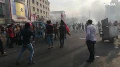 Scontri tra manifestanti e forze dell'ordine a Baghdad