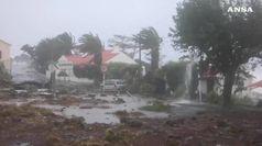 L'uragano Lorenzo sferza le Isole Azzorre, venti fino a 150 chilometri orari