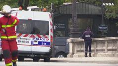 Strage in questura a Parigi, 4 agenti uccisi da un collega