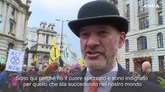 Extinction Rebellion, attivisti per il clima protestano nel distretto finanziario di Londra