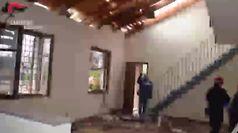Cascina esplosa, carabinieri cercano le bombole rimaste