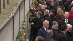 Berlino celebra i 30 anni senza Muro con musica e luci