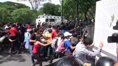 Venezuela, scontri a Caracas tra studenti e polizia