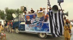 Manifestanti bloccano l'autostrada principale del Pakistan