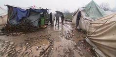 Bosnia, tempesta su campo profughi: tende distrutte e immerse nel fango