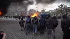 Gilet gialli, un anno dopo a Parigi tornano i black bloc