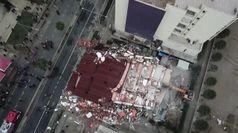 Sisma Albania: la demolizione di un edificio danneggiato