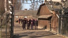 La prima volta di Merkel a Auschwitz: