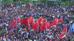 Cina, i sostenitori pro-Pechino si radunano a Hong Kong