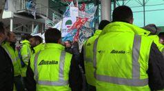 Alitalia, sindacati: