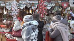 Natale: famiglie meno agiate, giu' consumi, piu' sostenibili