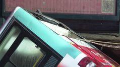Si apre una voragine e inghiotte l'autobus: 6 morti