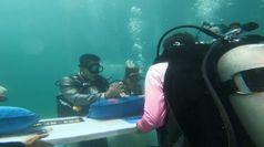 San Valentino, in Thailandia il matrimonio e' sott'acqua
