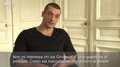 Francia, parla l'artista russo che ha diffuso il video di Griveaux