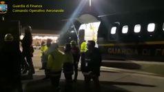 Coronavirus, 240mila mascherine a Venezia con volo della Finanza