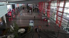 Coronavirus, la Cina chiude agli stranieri. Aeroporti deserti