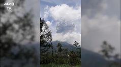 Indonesia, violenta eruzione del vulcano Merapi