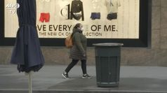 Coronavirus, a New York deserte le strade dello shopping