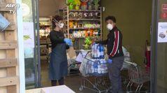 Coronavirus, vetro tra clienti e personale nelle farmacie di Roma