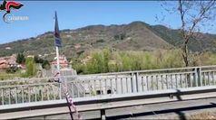 Massa Carrara, crolla ponte sul fiume Magra