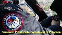 Coronavirus, l'elicottero dei Carabinieri controlla Piacenza dall'alto