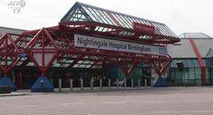 Coronavirus, a Birmingham lavori senza sosta per l'ospedale da campo