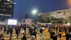 Coronavirus, in Israele manifestazione con distanziamento sociale