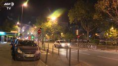 Lockdown a Parigi, scontri tra polizia e residenti in periferia