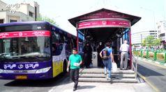 Coronavirus, in Iran su mezzi pubblici si viaggia a distanza di sicurezza