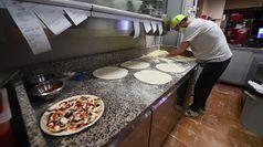 La Campania riconquista la pizza, ok alle consegne a domicilio