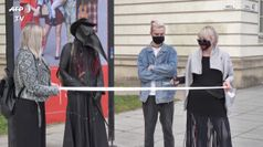 A Vilnius e' stata creata la Fashion Week delle mascherine