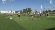 Coronavirus, giocatori del Real Madrid osservano minuto di silenzio