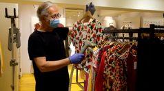 Da ambienti ad abiti, come sanificare i negozi