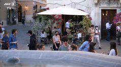 Kurz insiste sui confini chiusi, scontro con Roma