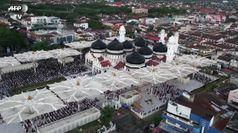 Indonesia: migliaia di fedeli tornano nella Grande Moschea di Aceh