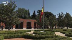 Spagna, famiglia reale osserva minuto di silenzio per le vittime del Covid