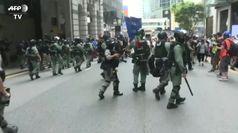 Hong Kong, centinaia di arresti negli scontri tra polizia e manifestanti